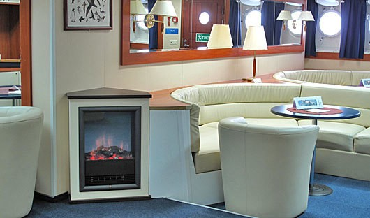 Akademik Ioffe Bar Fireplace