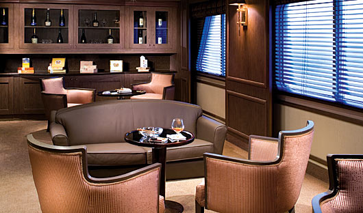 Silver Explorer Lounge