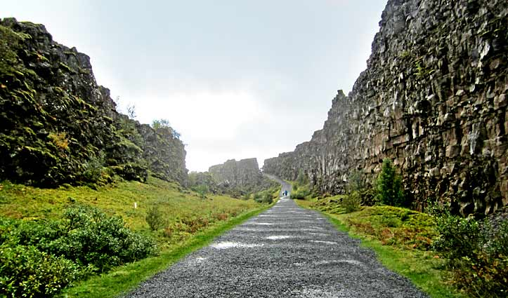 Tectonic Plates Thingvellir National Park Golden Circle Tour Iceland