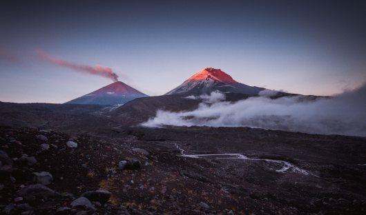 shutterstock_558310705_kamchatka_volcanoes_resized