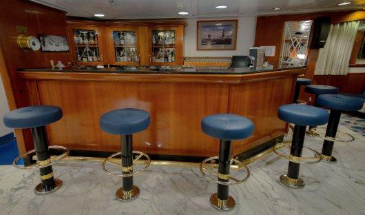 Ocean Adventurer Bar