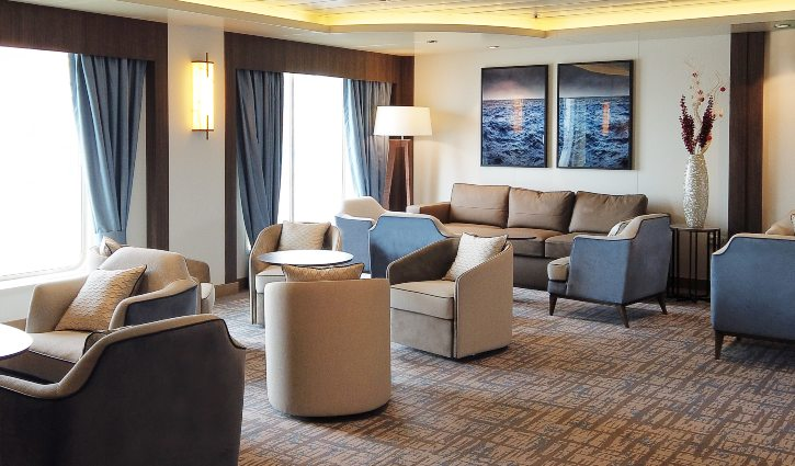 Greg-Mortimer- Lounge area