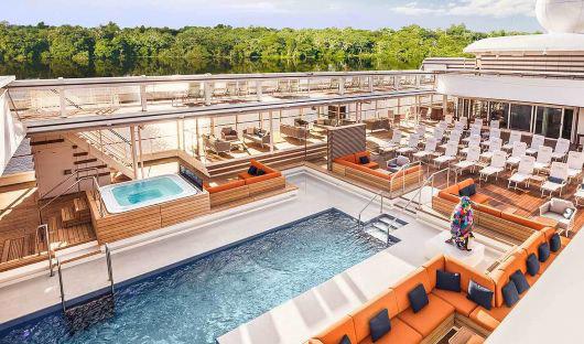 hanseatic inspiration Pool deck