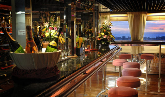 Ocean Diamond Lounge