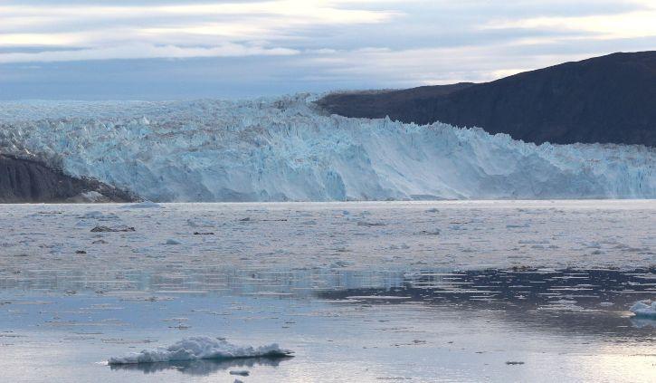 Iceland Pro Cruises - Eqip Glacier