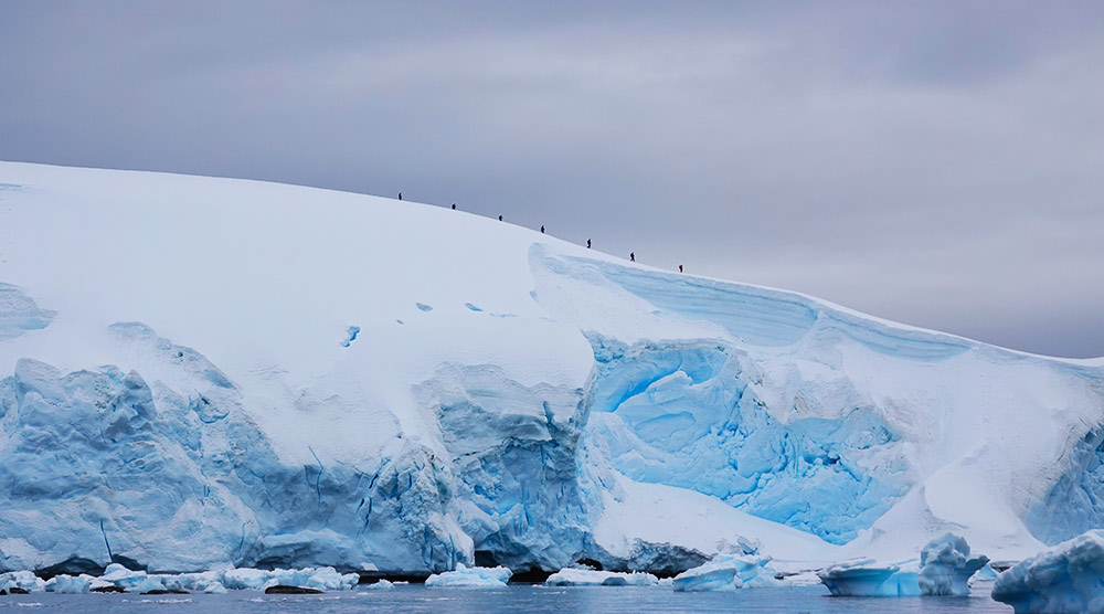 Hikers in Antarctica, Cinzia Mucciante