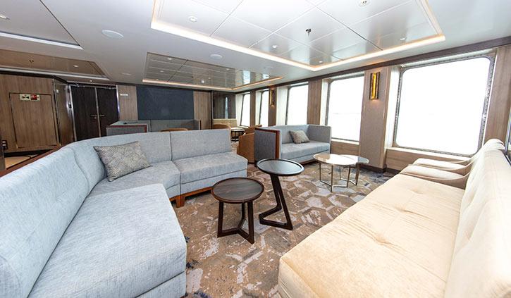 World Explorer Explorer Lounge
